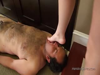 Sucking mistress feet in the stairs